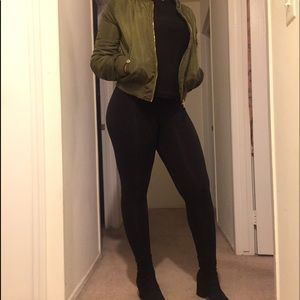 💚Olive Green Bomber Cropped Puffer Jacket💚